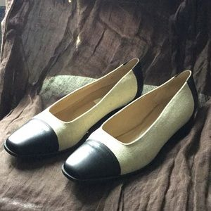 Talbots Size 9 Cream with Black toe and heel
